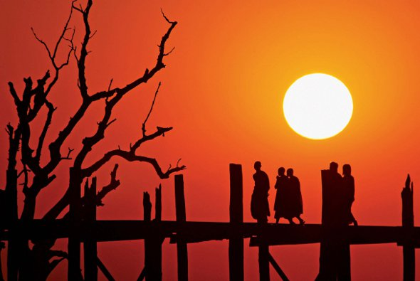 Springboard  U Bein Bridge at Sunset by Hugues Gervais