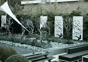 p.nicholas-2665-daphne-garden-200x280