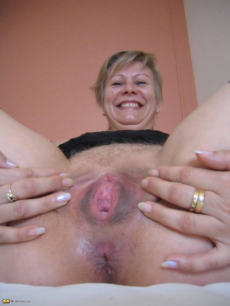 Agns vieille blonde dIvrysurSeine aime se goder  Photos Femmes Mures