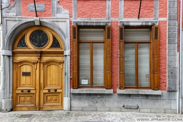 Front of house in Namur