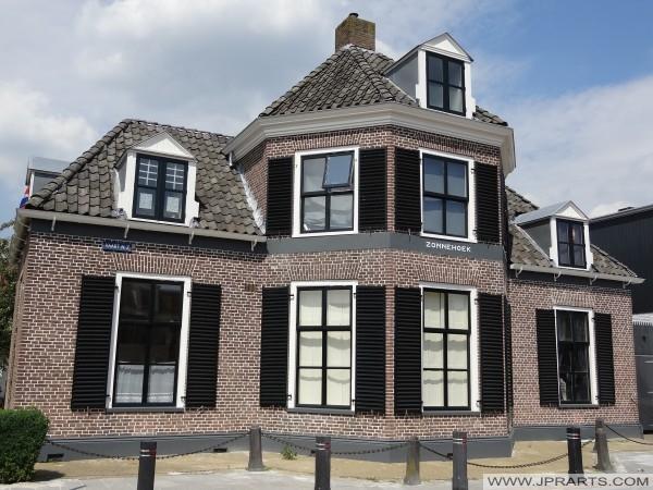 villa Zonnehoek em Assen, Holanda