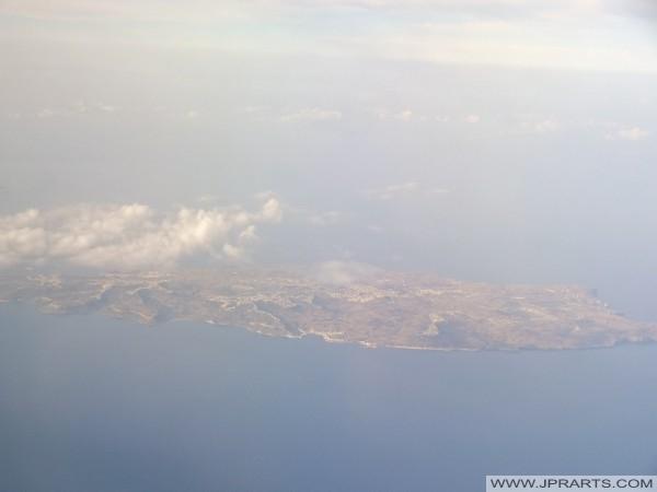Veduta aerea di Gozo nel Mar Mediterraneo (Malta)