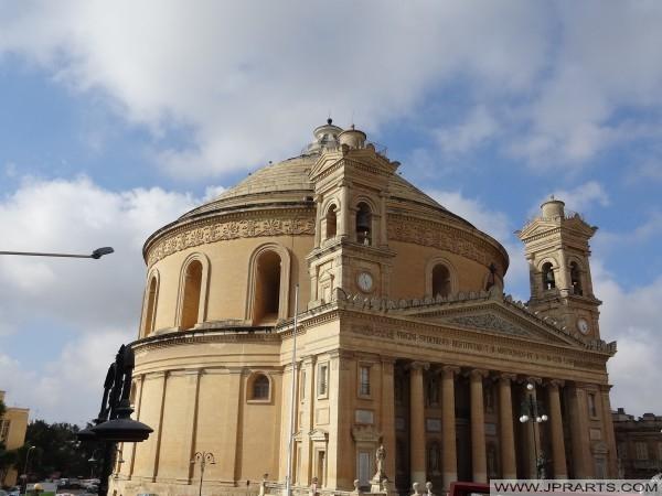 La Iglesia de la Asunción de Nuestra Señora en Mosta, Malta