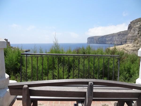 Forma i Xlendi d'fhonn farraige deas (Gozo, Málta)