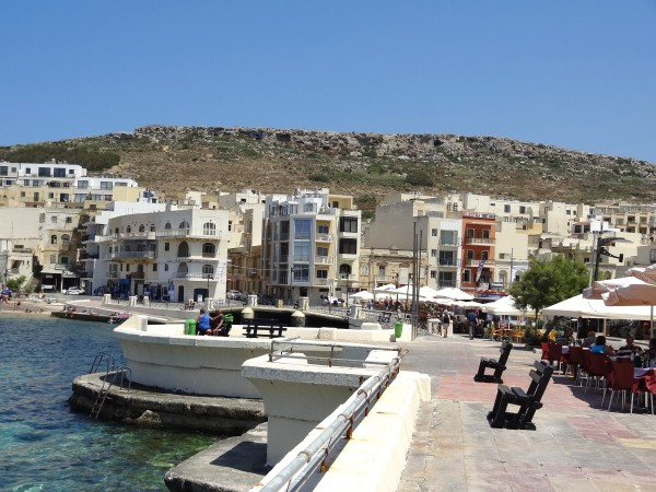 Viale a Marsalforn (Gozo, Malta)