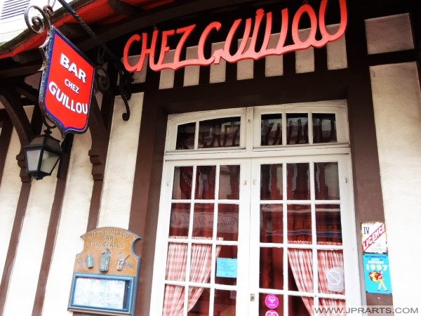 Bar Chez Guillou à Cabourg, France
