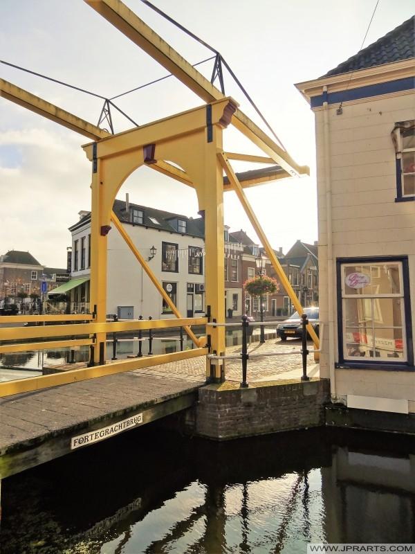 Fortegrachtbrug in Maassluis, Nederland