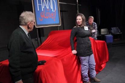 hand-in-glove-012