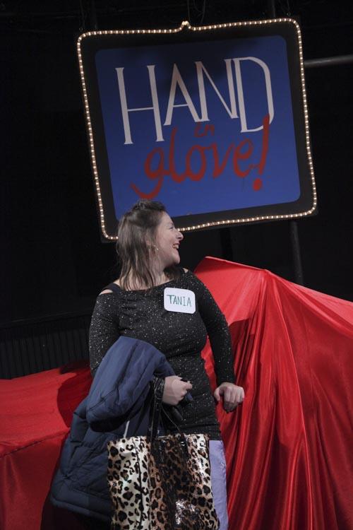 hand-in-glove-043