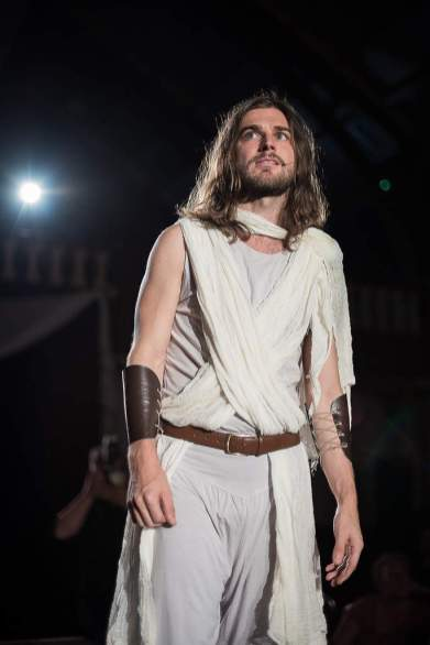 51S_7926-Edit_97_JesusChristSuperstar_RUBYLDN_SouthLondonTheatre2016