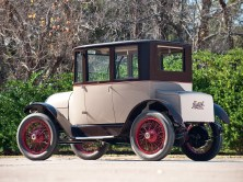 1920 Detroit Electric Model 82