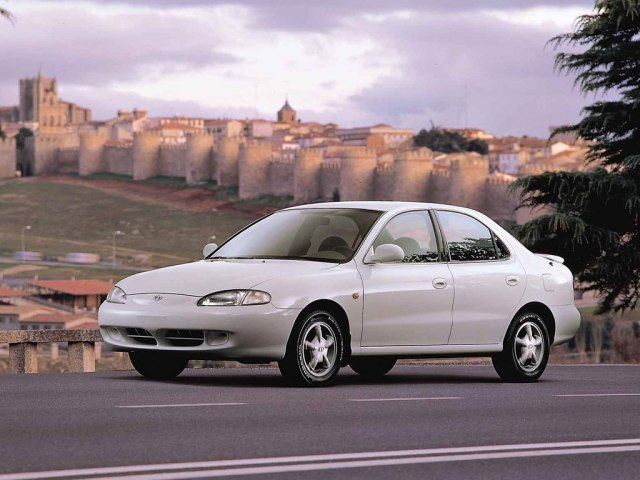 1995 Hyundai Lantra