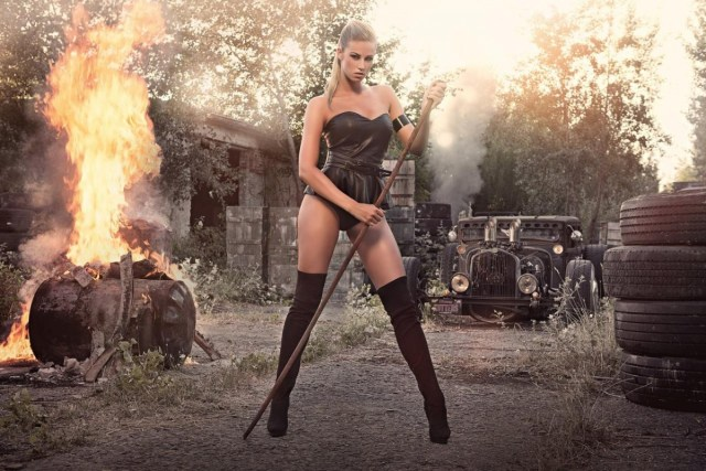 2014 Calendrier Miss Tuning Aout