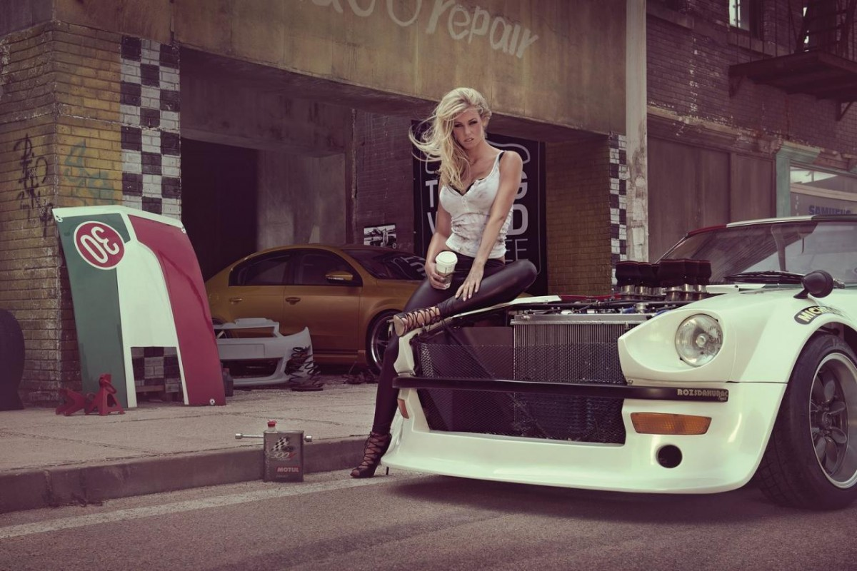 2014 Calendrier Miss Tuning Janvier
