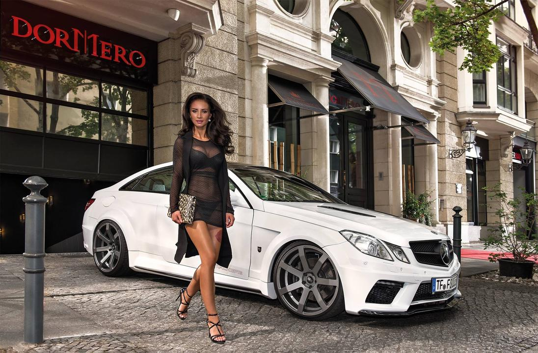 2016 Calendrier Miss Tuning Decembre