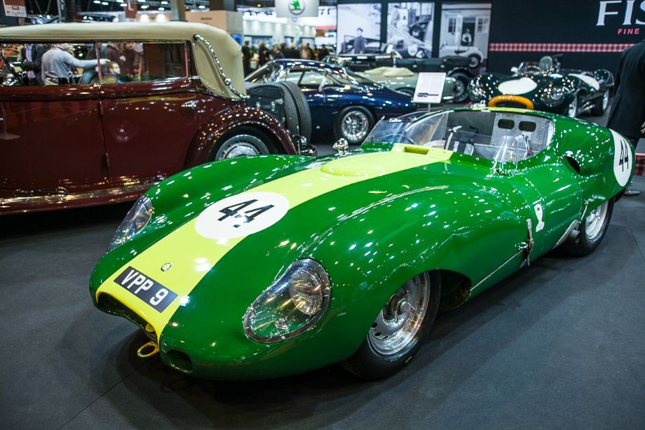 Lister Jaguar Costin - Fiskens stand