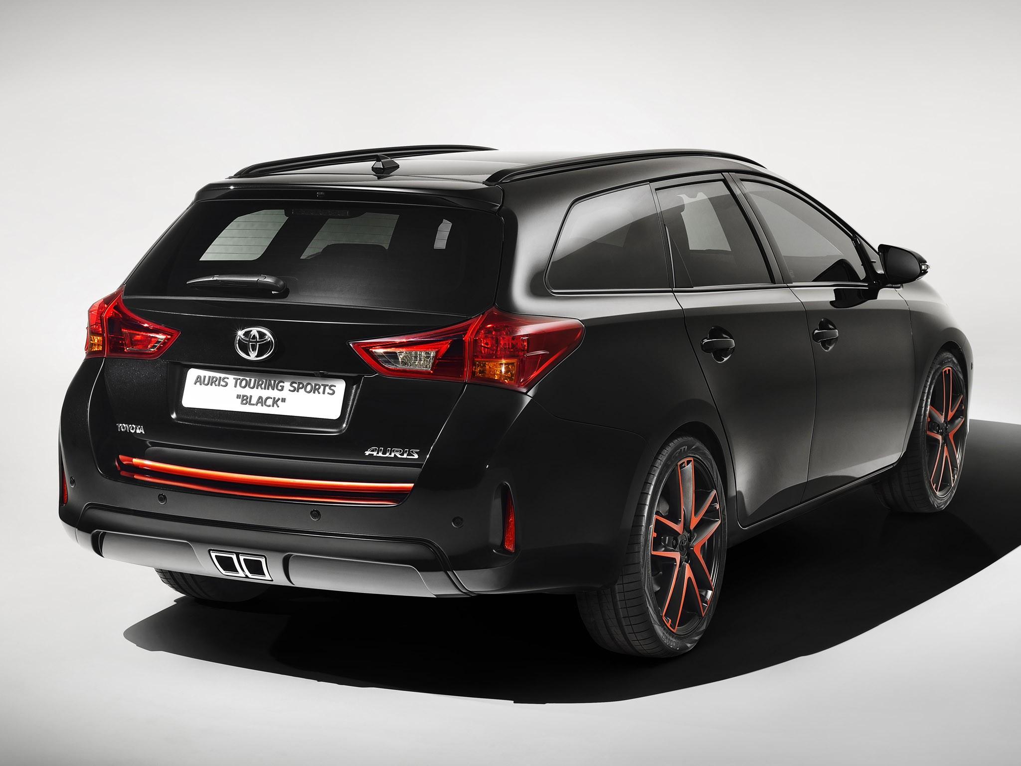 2013 Toyota Auris Touring Sports Black