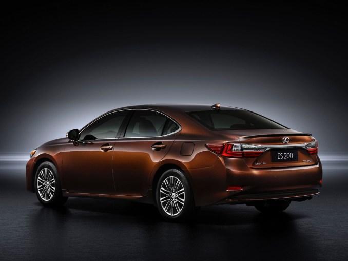 2015 Lexus ES 200