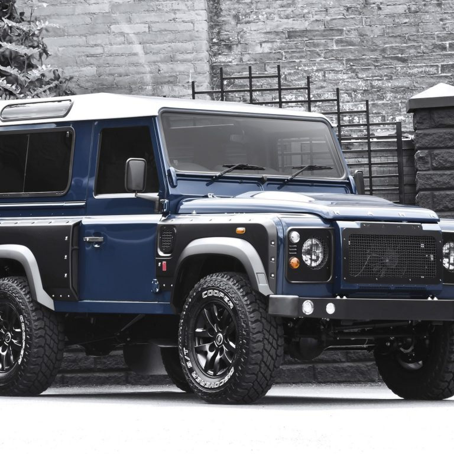 2013 Project Kahn Land Rover Defender 2-2 TDCI 90 WSI