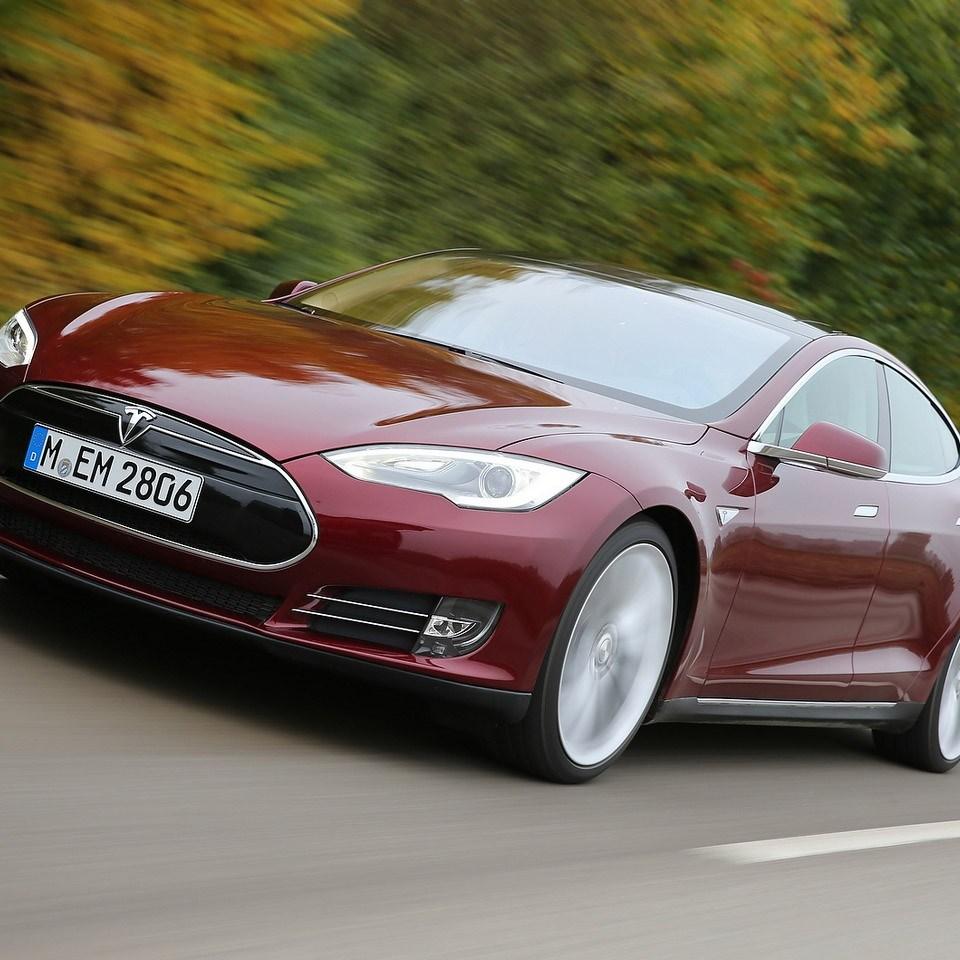 2012 Tesla Model S EU