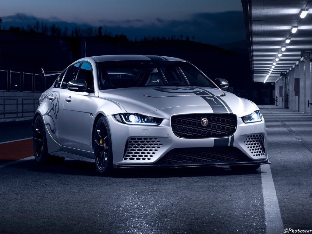 Jaguar XE SV Project 8 2018