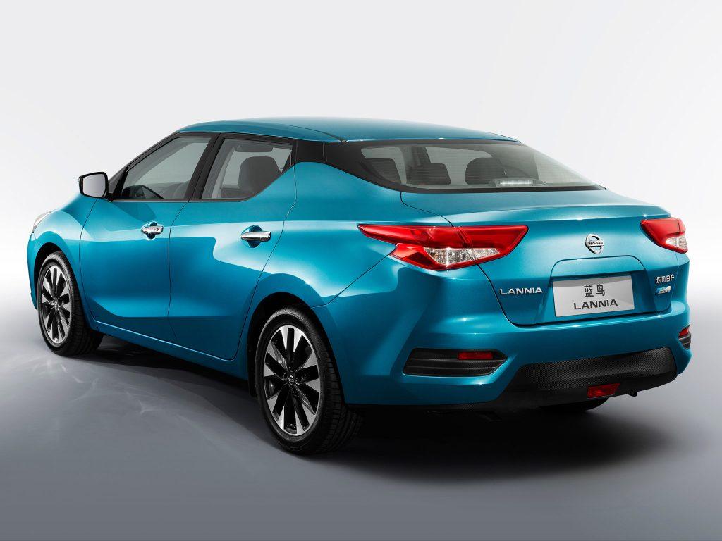 2015 Nissan Lannia