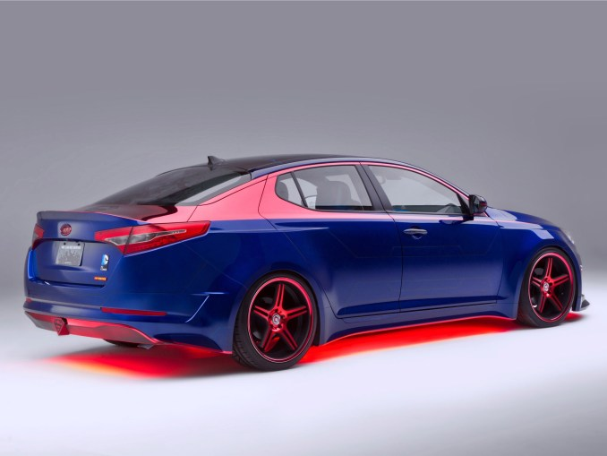 Kia Optima Hybrid Superman 2013 [Arrière] - Photoscar