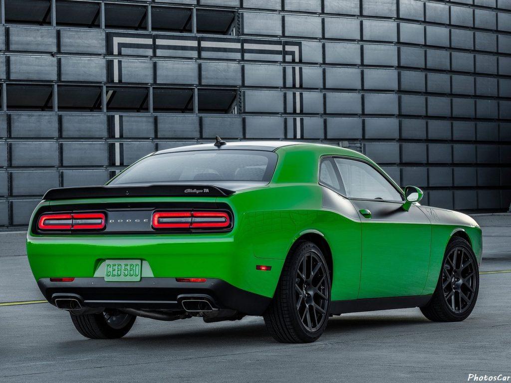 Dodge Challenger TA 2017