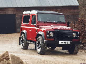 Land Rover Defender Works V8 2018 - 01