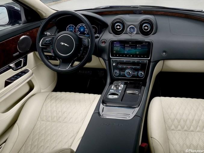 Jaguar XJ50 2019 [03]