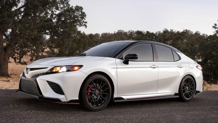 Toyota Camry TRD 2020 – Une nouvelle plate-forme et une allure sportive