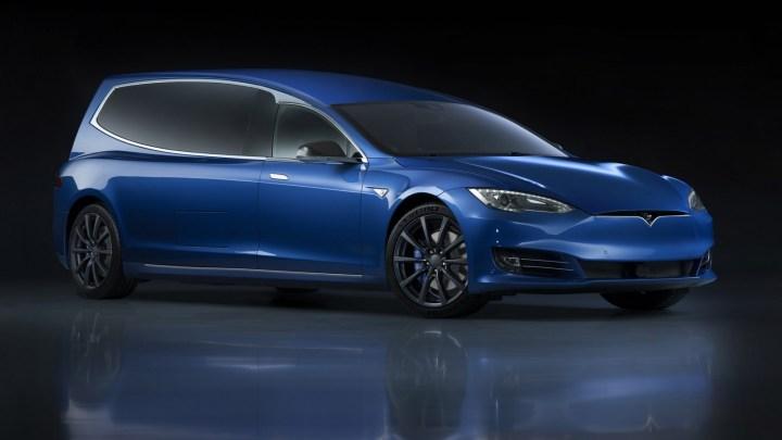 Binz-E: Une voiture funéraire électrique basée sur une Tesla Model S.