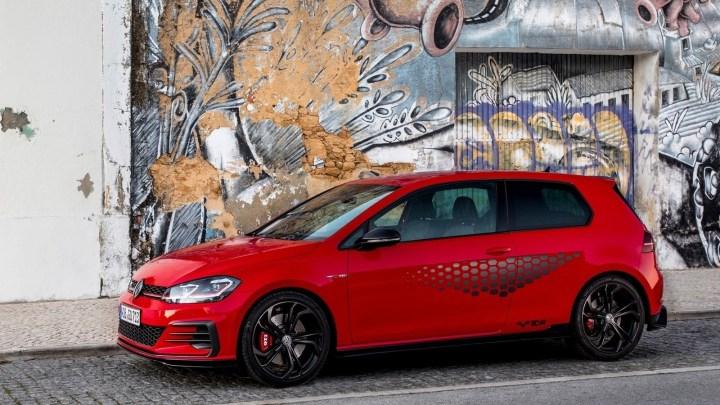 Volkswagen Golf GTI TCR 2019 – Elle se distingue par un look ultra sportif.