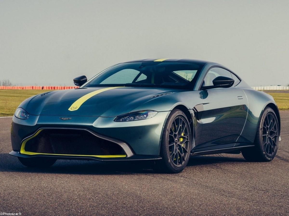 Aston Martin Vantage AMR 2020 avec une boîte manuelle à sept vitesses.