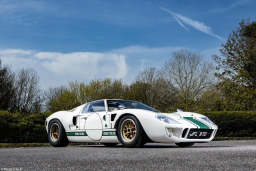 Ford GT40 Race Car (P/1042) 1966