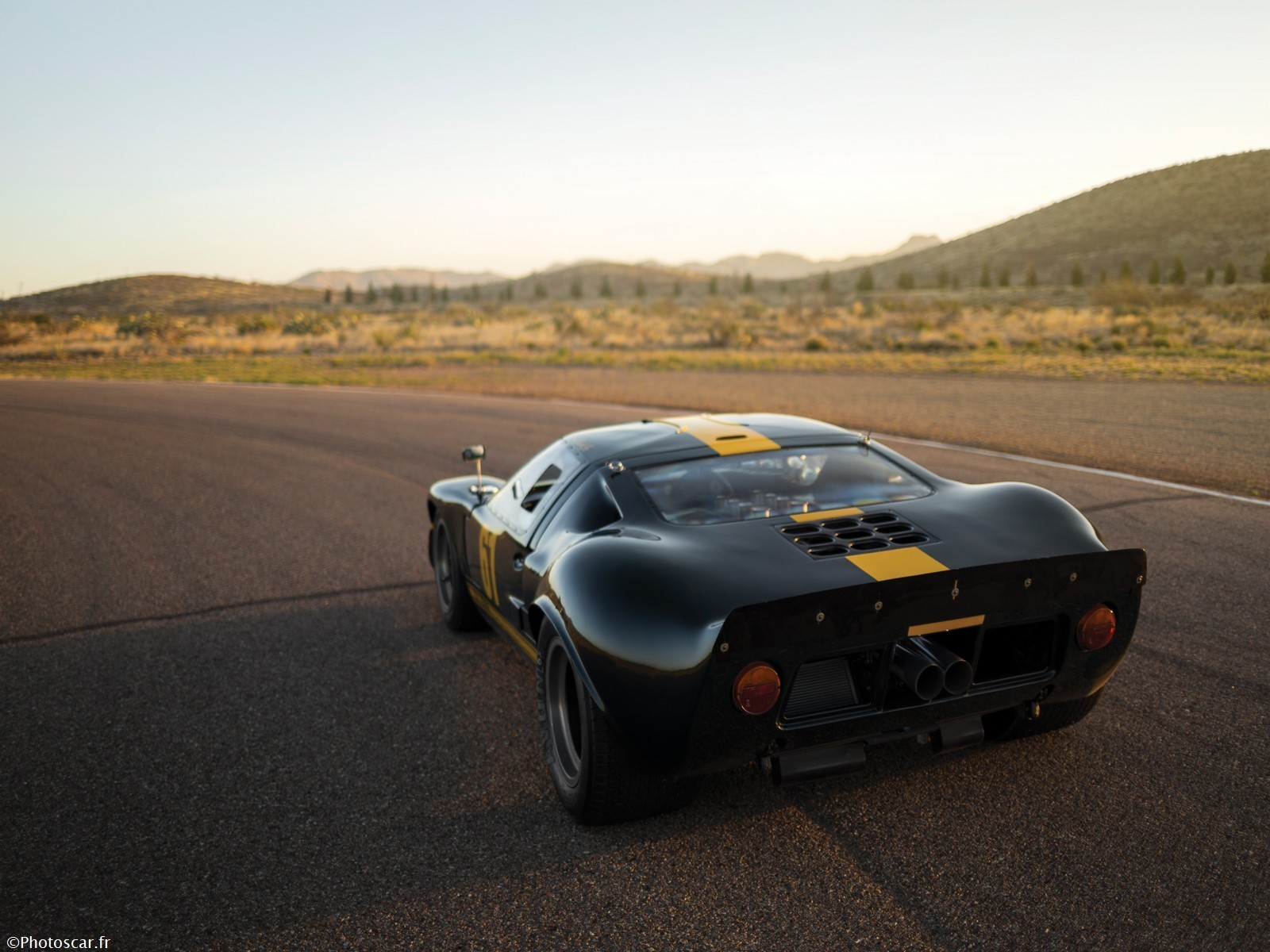 Ford GT40 Le Mans Race Car 1966