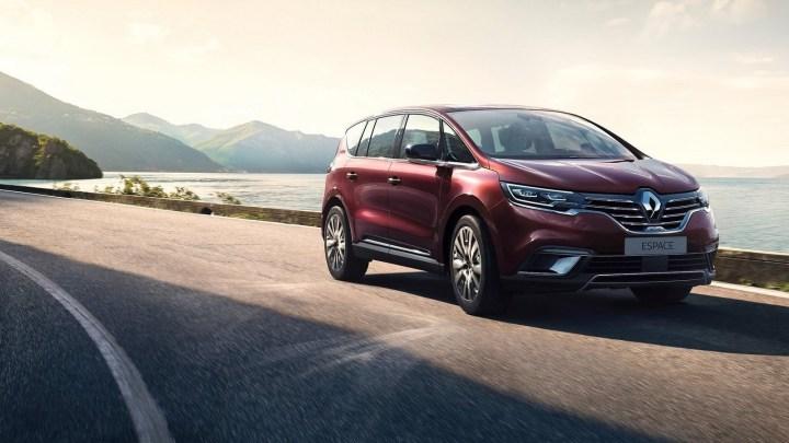 Renault Espace V 2020 – Courbes d'exception, lignes robustes et fluides