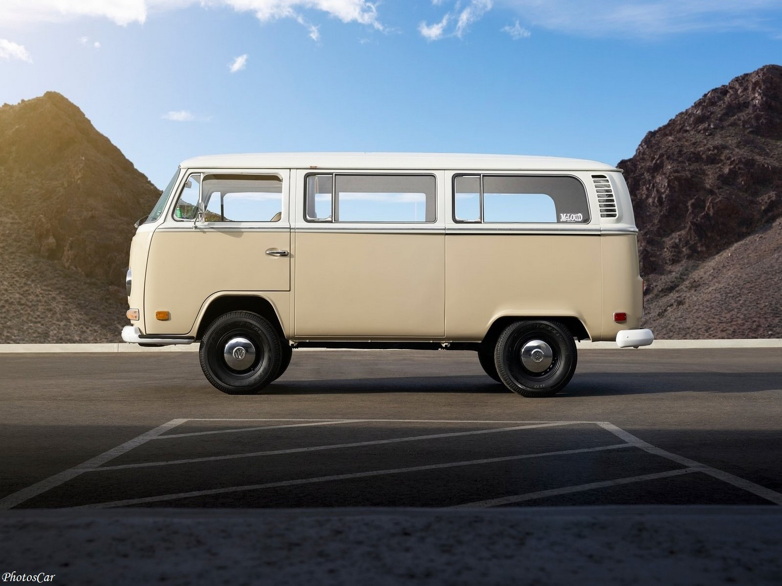 Volkswagen Type 2 Bus Electrified concept 2019