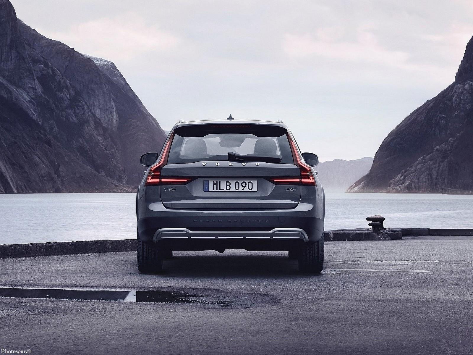 Volvo V90 Cross Country 2020