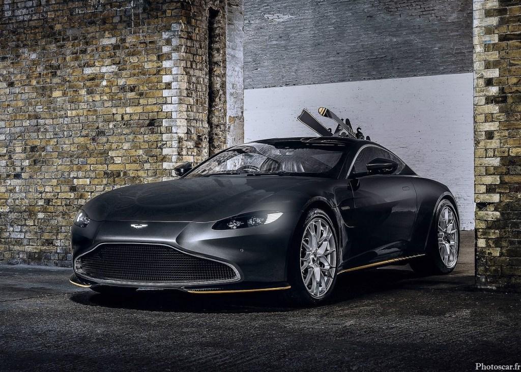 L'Aston Martin 007 Edition est compatible avec le V8 biturbo de 4,0 litres de 503 chevaux.