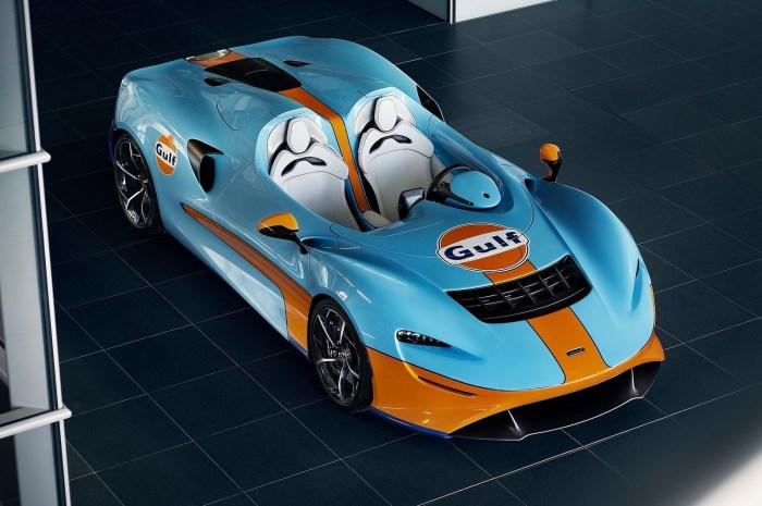 McLaren Elva Gulf Theme MSO 2021 – Le roadster biplace dans la livrée emblématique bleue et orange