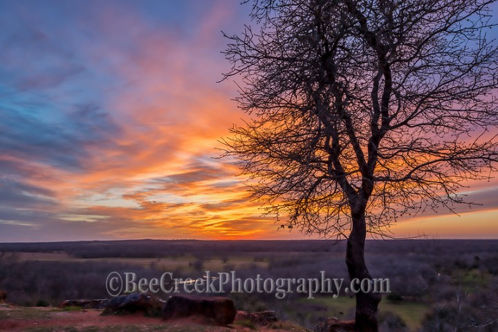 We loved the different colors we kept getting as the sunset made way for dusk and of course we continued to try and capture these wonderful colors over this scenic Texas landscape before nightfall (Tod Grubbs & Cynthia Hestand)