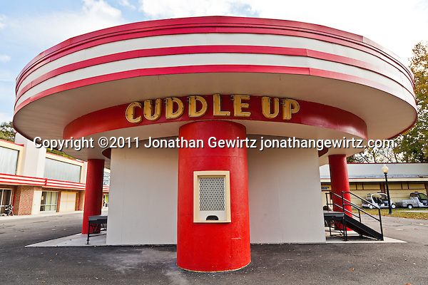 The Cuddle Up amusement park ride at Glen Echo Park, Maryland. (Copyright 2011 Jonathan Gewirtz jonathan@gewirtz.net)