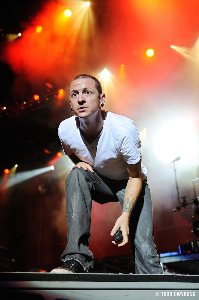 Linkin Park performing on the Projekt Revolution Tour. St. Louis, August 21, 2008. © Todd Owyoung/Retna Ltd. (Todd Owyoung/© Todd Owyoung)