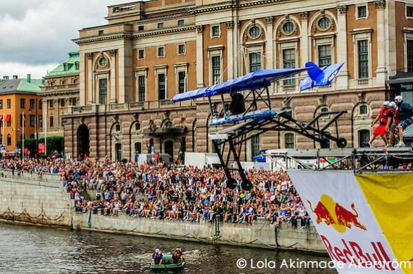 Red Bull Flugtag in Stockholm (Lola Akinmade Åkerström)