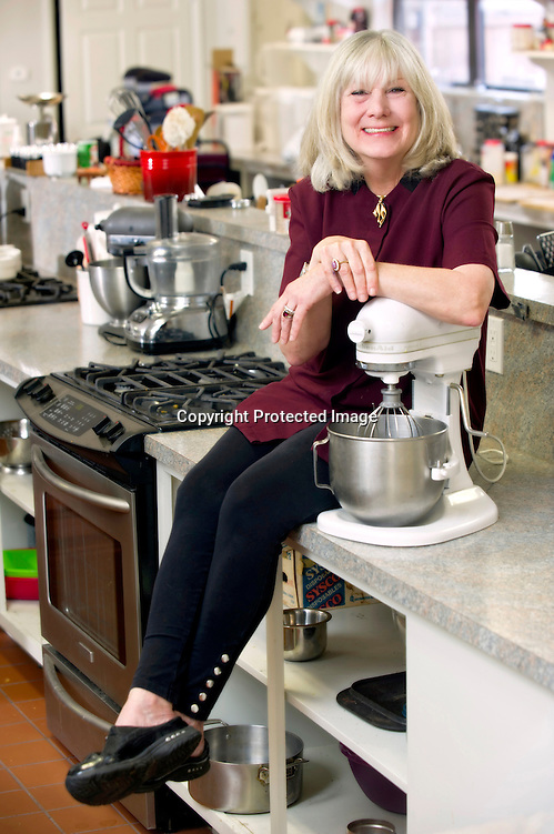 Editorial photography of Suzie Nibbles  in her restaurant in Fayetteville, Arkansas. (Beth Hall)