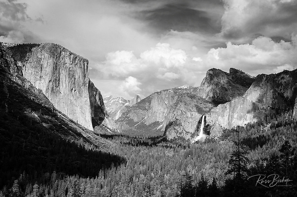 Yosemite Valley from Tunnel View, Yosemite National Park, California