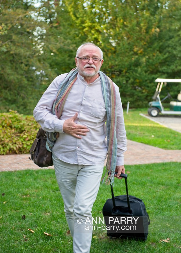 Old Westbury, New York, U.S. October 19, 2019. Jerzy Kędziora (Jotka) arrives straight from his flight to the Closing Reception for his Balance in Nature outdoor sculptures exhibit held at Old Westbury Gardens. (© 2019 Ann Parry/Ann-Parry.com)