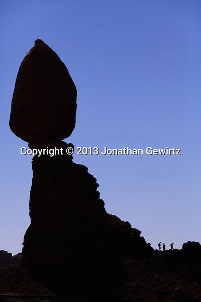 Balanced Rock and visitors to Arches National Park, Utah. (Jonathan Gewirtz   jonathan@gewirtz.net)