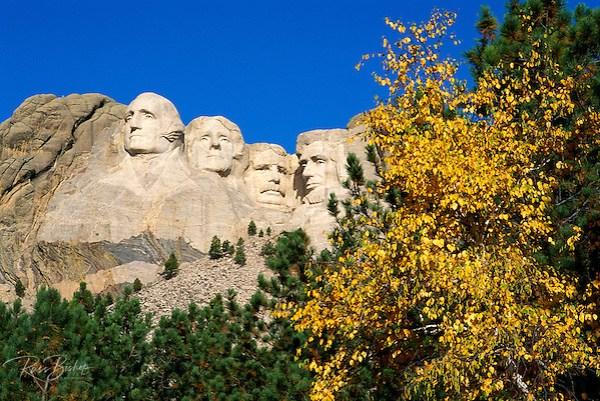 Mount Rushmore and fall color, Mount Rushmore National Memorial, South Dakota USA (Russ Bishop/Russ Bishop Photography)